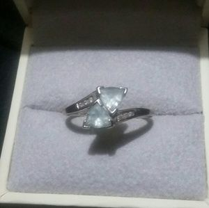 Sz 8 ~ Kay's 10k aquamarine ring w diamond accents